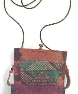 ACE VENTURA WHEN NATURE CALLS: Tribal Box Necklace 1