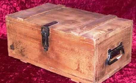 SHANGHAI KNIGHTS: Wooden Ammo Box 1