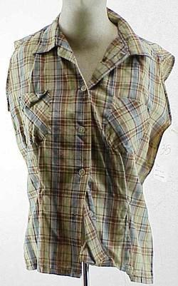 DEUCES WILD: Betsy's Plaid Blouse    1